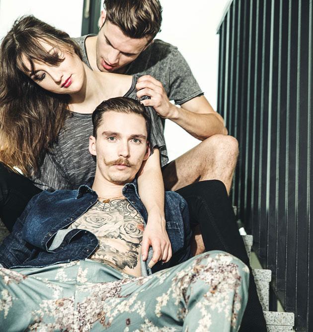 Modeshooting Modefotografie Dreier Modells in Streatwear Leidenschaft