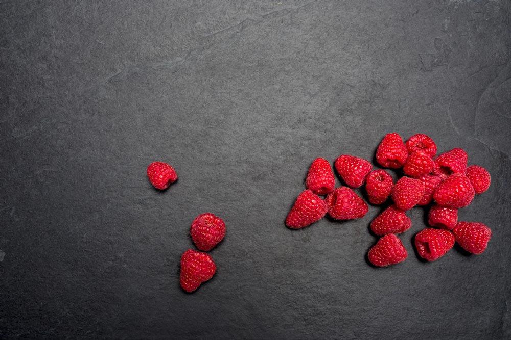 Foodfotografie Pixelbäcker Werbeshooting Himbeeren Küchenplatte